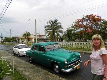 V?r Geely och deras Plymouth  50-talstaxi