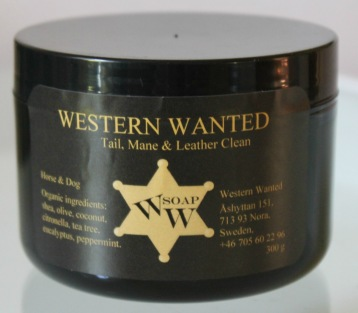 Cream Tail, Mane & Leather -