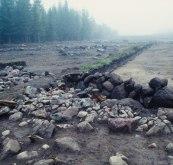 Del av stensträngen vid utgrävningen