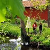 """Musikperformance, , Backa Carin Ivarsdotter och Anders Göransson   """"Strömkarlen"""", Ängeslbergs skulpturpark 2019"""