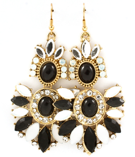 Örhängen - Black&White Marquise earrings