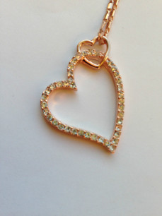 Halsband hjärta med swarovskikristaller i roséguld
