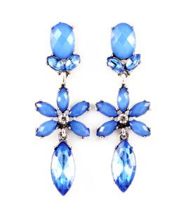 Ljuvliga droppörhängen i blått