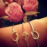 Stelt dödskalle-armband i rosé
