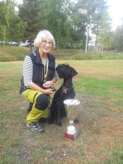 SSLO-mästare i lydnad 2013 Tina med Fifi