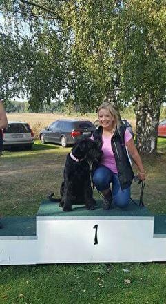 2016 års SSLO-mästare i lydnad blev Charlotte Olebro med Riezors Athena