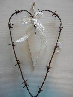 Taggtrådshjärtan.