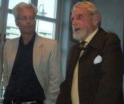"""Per Waldvik och Bengt Lagerkvist berättar om inspelningen av """"Någonstans i Sverige"""" den 27/9 2011. (Foto: Anders Sandström)"""