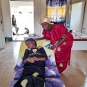 Marie Kutah med patient