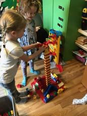 Vi samarbetar, bygger högt.