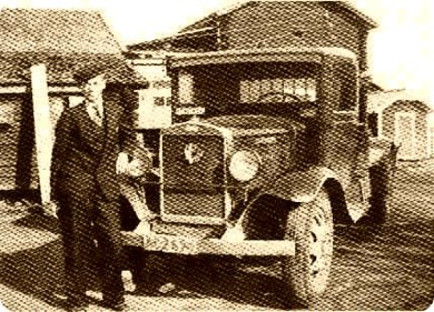 Lastbil Volvo, 1934 års modell, maxlast 2 850 kr, chaufför Thorsten Holmlund