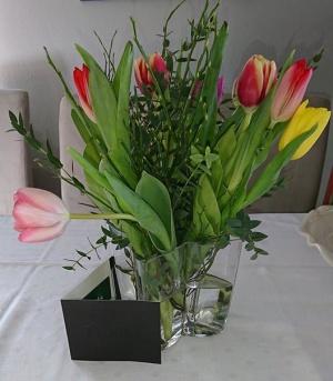 Tulpaner och presentkort, present från föreningen efter sex års engagemang i styrelsen. :)