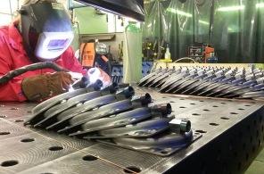 Linde Metallteknik AB - Serieproduktion av ett flertal komponenter till tågfordon enligt EN15085-2 CL-1. Dessa komponenter ingår bland annat i bromssystem som används inom alla olika fordonsslag inom tågindustrin.  Denna tillverkning omfattas av ett omfattande regelverk med höga krav på svetsdokumentation och kontroll.