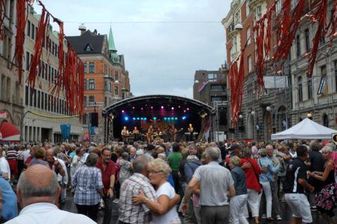 Bilden från 2012 (Malmöfestivalen) då Dansbandssidan.com firade 1 år!
