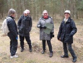 Med på vandringen fanns också de fyra damerna, från Skummeslövsstrand. De upptäckte att de bor helt nära varandra och har inte träffats tidigare. Möten mellan människor är värdefulla!