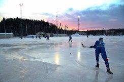 Dags att hänga kassar. Foto: Linnea Sandström