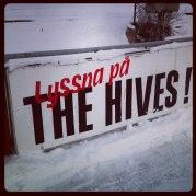 Bandysveriges coolaste sponsor har Västanfors. Eller vänta, vi har ju Linds svets och montage. Vi låter det stå osagt. Foto: Blomman Blomster