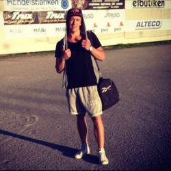 Nöjd vinnare. Fredrik Wilsson cashar in 12 bananer.