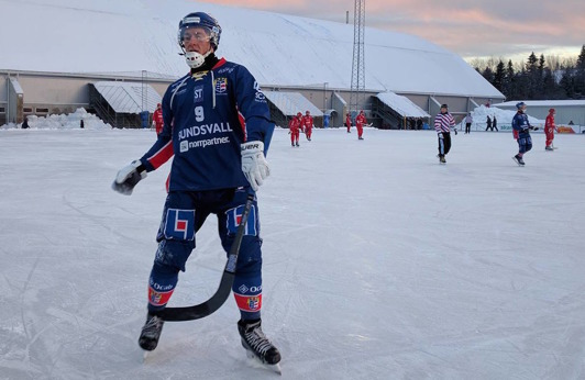 Tvåmålsskytten F. Wilsson åker tilllräckligt fort. Foto: Rönnken.