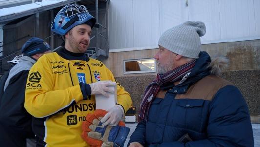 Spjuvrar i samspråk. Markus Wiström och en hemvändande Mats Fröberg.