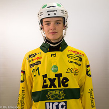 Persson i moderklubbsdräkten. Foto: HG Eriksson (som haft vänligheten att ge oss tillstånd att använda bilden).