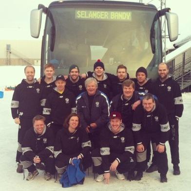 Härliga Selånger Bandy! (The Gregster, Micke N och Holdo var också med på resan.)