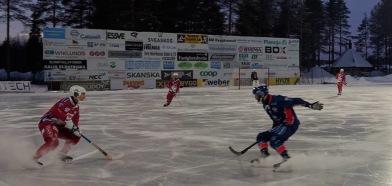 Öcke kliver upp! Alla foton: Jonas Rönnqvist
