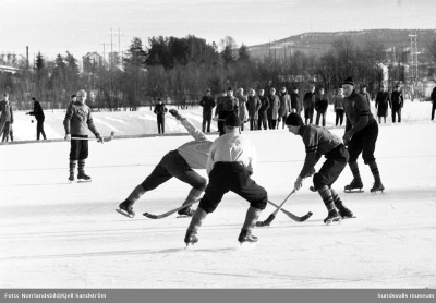 Bandymatch i Bergsåker mellan Selånger och Haparanda 1960