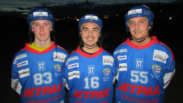 Andreas WIlsson, Christoffer Johansen och Viktor Svedberg. De kommer att ha andra nummer, men det är i Selångertröjan de kommer att synas i vinter. Foto: Nicklas Blomqvist