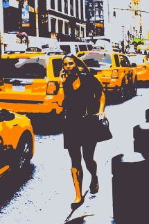 "Fotokonst / Konstfoto / Fototavla - New York - ""THE GIRL AND THE YELLOW CABS"" (Format 2x3)"