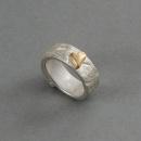 Silver ring med guldhjärta