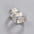 grovhamrade silver ringar