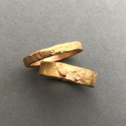 unika vigselringar i guld
