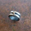 grov silverring med gulgula