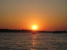 Solnedgång över Zambesifloden