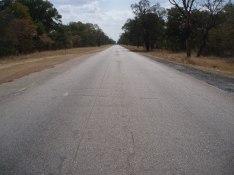 Långa, raka, tomma vägar
