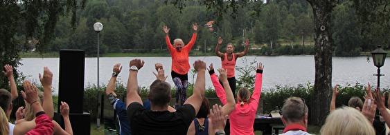 Uppvärmning med Degerfors gymnastikförening
