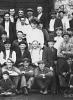 Delförs Gösta Anstensens far i mitten med ljusa kläder och