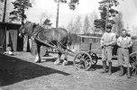 Svartå H F  Karl Fredriksson och G Gröning vid häst 1940 tal
