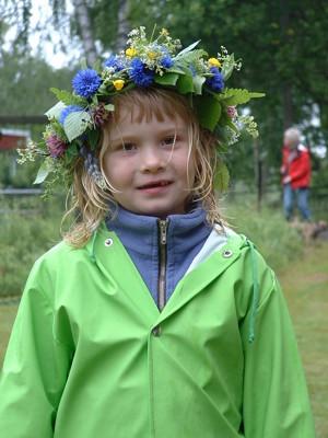 Min dotter Maja en regning midsommar för nio år sedan.