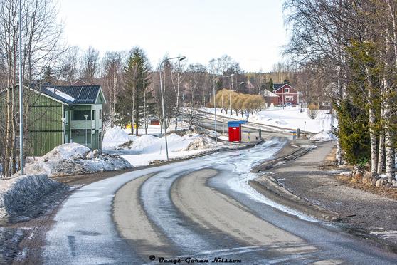 Busshållplats i Gammelgården på väg mot Rian, 1 april 2016