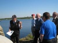 Lennart berättar om sågverksplatsen och utskeppningshamnen i Salmisviken
