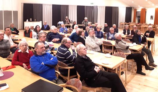 Intresserade åhörare på Bredefeldts föredrag.