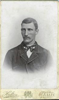 Abraham Vennström 1869-1960, här nog fotad på 1890-talet. Grundade Fokhögskolan i Kalix. Ur B-G Nilssons bildsamling.