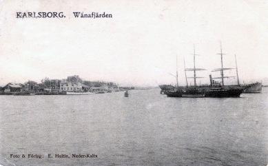 Erik Hultinkort på hamnen i Karlsborg, stämplat 1906. Ur B-G Nilssons bildsamling.