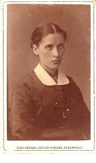Ännu en bild med Nederkalixloggan utan röd kant. Okänd kvinna från porträttfynd.