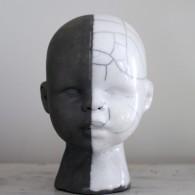 Raku Doll svart/vit, Lisa Hammar Posse