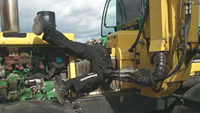 Problem med elektroniken i din entreprenadmaskin, skogsmaskin? Elektronikverkstan felsök & reparation av elektronik i lastbilar, hjullastare, grävmaskiner, skylift