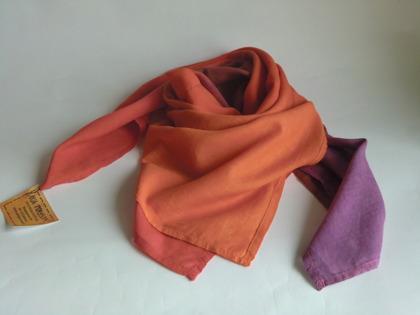 Orange-röd-lila kvadratisk sjal