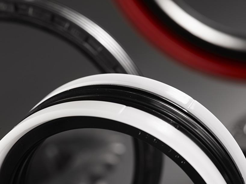Radialtätningar, O-ringar. U-manschetter, V-ringar och flerdelade kolvtätningar, PTFE-band, Sesemic